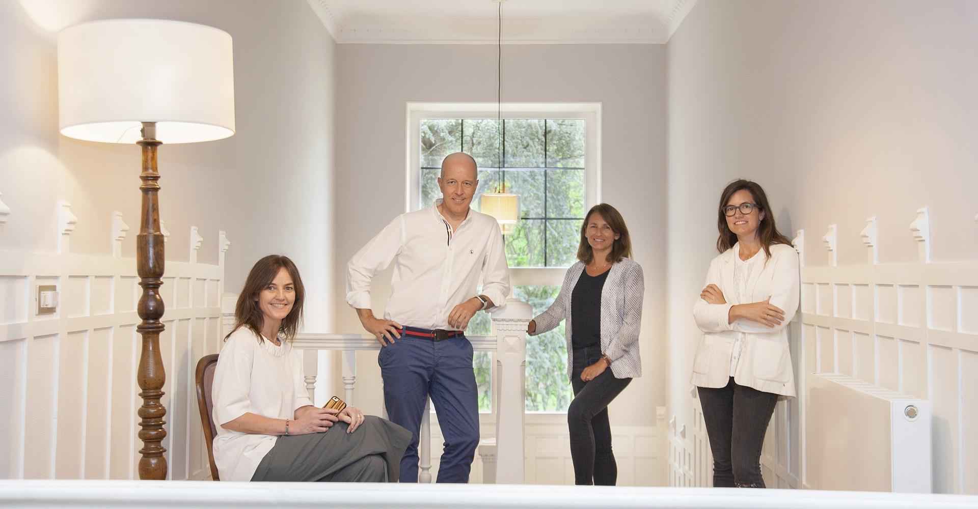 Alda, Cristina, Idoia y Juan - El equipo de la Casa de Lujo Etxelaia